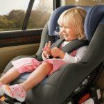 Foto: Atenție! Amenzi mai mari pentru șoferii care NU transportă copiii în scaune auto