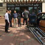 Foto: Premieră pentru țara noastră! Un tânăr a modificat un Peugeot, astfel încât să poată fi condus de persoane cu dizabilităţi