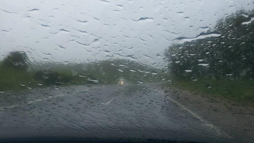 Foto: Atenție. Ploi torențiale toată săptămâna, până sămbătă! Când începe vijelia?