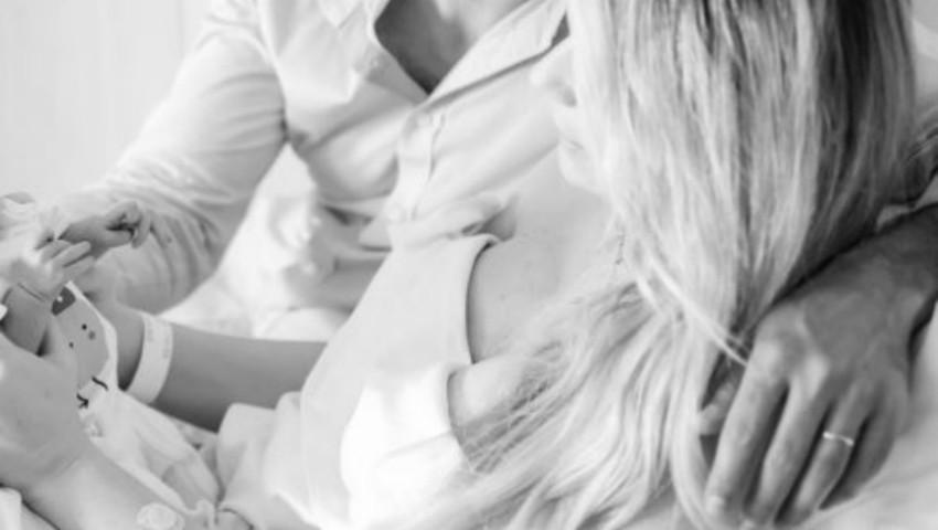 """Foto: Laura Cosoi s-a pregătit toată sarcina pentru o naștere naturală: ,,Nu spun că nu au fost dureri, ci doar că le-am acceptat"""""""