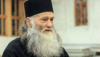 """Părintele Iustin Pârvu: ,,Rugăciunea mamei nu are egal pe lumea asta. Este mai puternică decât rugăciunea preotului!"""""""