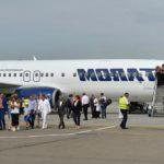 Foto: O mamă a fost dată afară din avion, după ce a urcat la bord împreună cu copiii săi bolnavi de varicelă