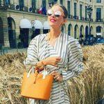 Foto: Xenia Sobchak nu-și mai poate ascunde burtica de însărcinată