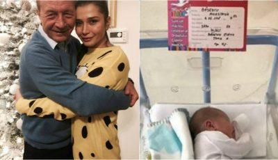 Cum o cheamă pe fiica Elenei Băsescu. Traian Băsescu a publicat prima poză