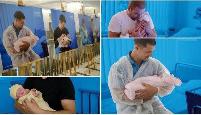 Emoționant! O expoziție inedită cu tați și copiii lor în primele zile de viață, a fost inaugurată la Chișinău