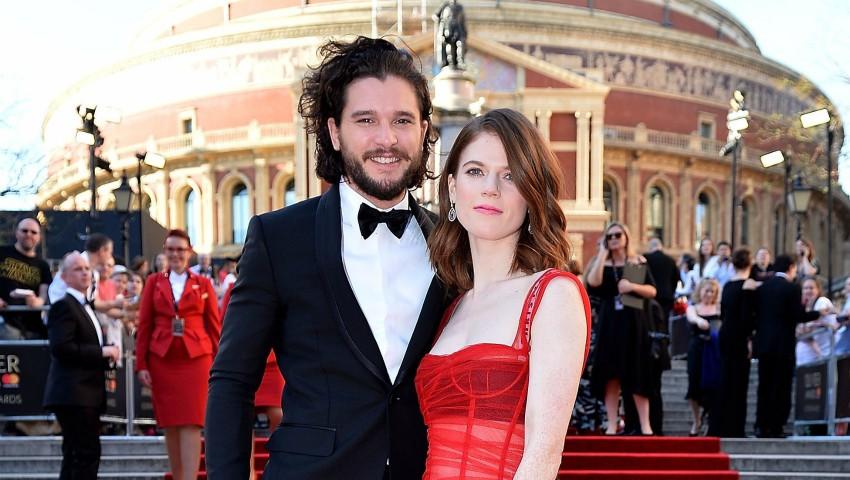 """Foto: Actorii din """"Game of Thrones"""", Kit Harington și Rose Leslie se pregătesc de nuntă! Vezi unde va avea loc evenimentul"""