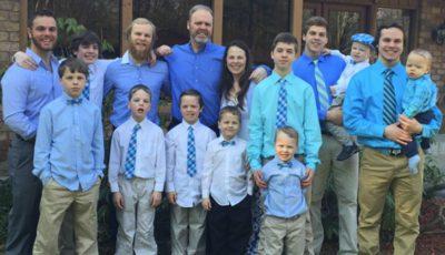 Un cuplu a adus pe lume 14 băieți, în speranța că vor avea și o fată. Vezi surpriza făcută de fiul cel mare