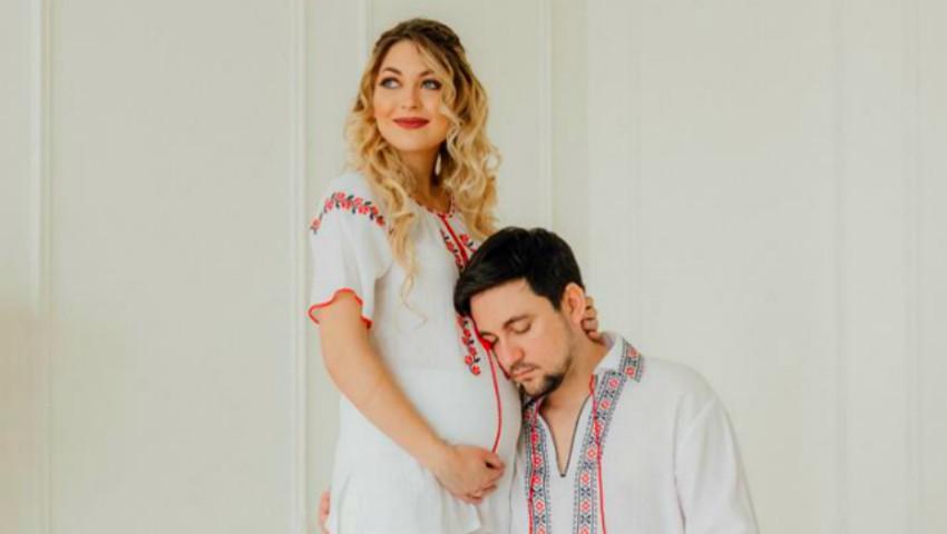 Gloria Gorceag și Vitalie Catană, în costume tradiționale de Ziua Națională a Portului Popular!