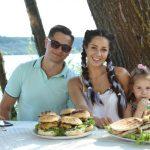 """Foto: Află rețeta celor mai delicioase torttilas și hamburgeri de casă de la trupa """"Lume"""""""
