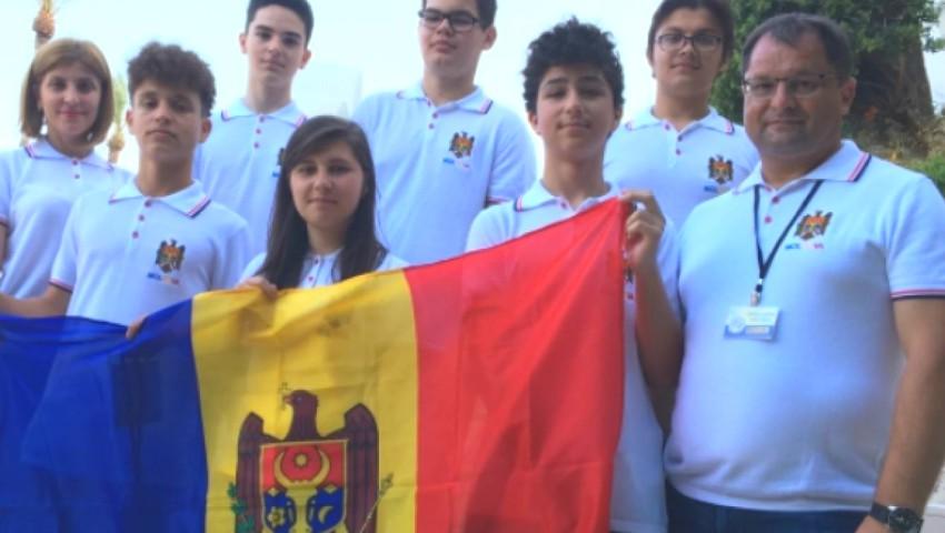 Elevii moldoveni au câștigat o medalie de argint și trei de bronz la Olimpiada Balcanică de Matematică
