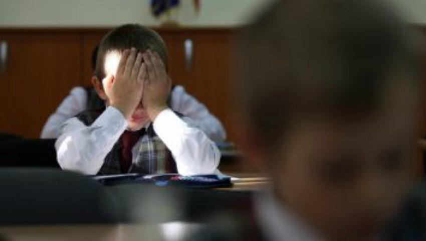 Foto: Violență într-o școală din Moldova: copiii sunt trași de păr, pișcați și loviți cu capul de mese