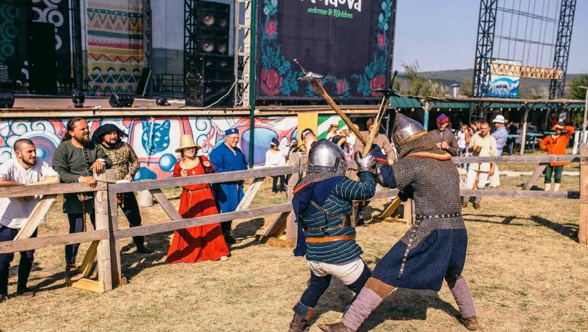 Foto: Lupte cavalerești pentru a cuceri inima fiicei Domnitorului, la Festival Medieval 2018!