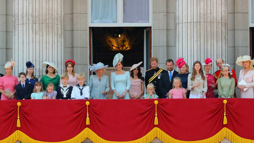 Foto: Prima apariție la balconul regal al Ducilor de Sussex