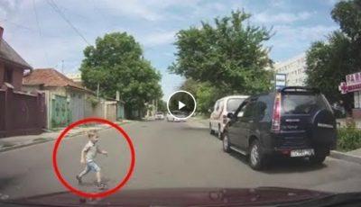 A scăpat ca prin minune! Un copil era cât pe ce să fie lovit de un automobil pe trecerea de pietoni