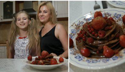 Pancakes proteice cu fructe de sezon, un răsfăț culinar de la Irina Calancea
