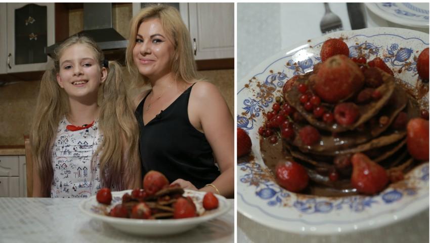 Foto: Pancakes proteice cu fructe de sezon, un răsfăț culinar de la Irina Calancea