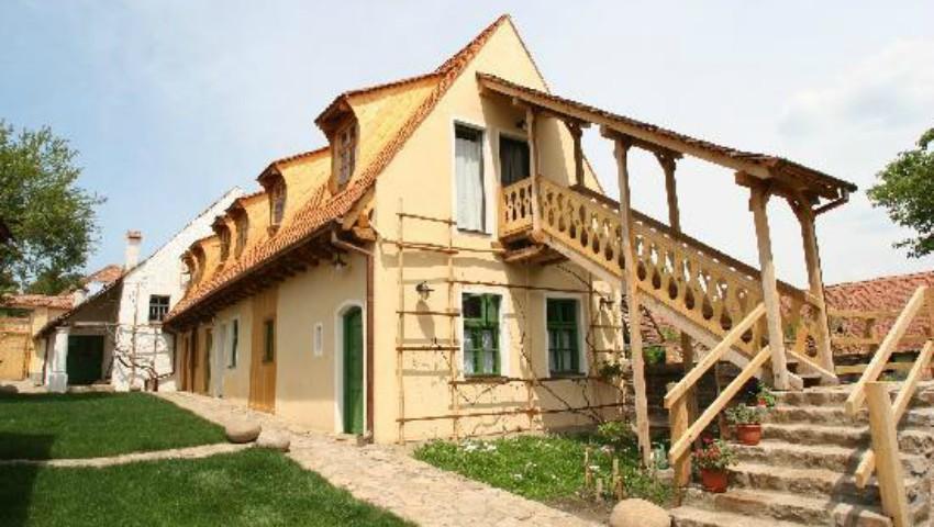 Foto: Un sat din România a fost inclus pe lista celor mai frumoase din lume