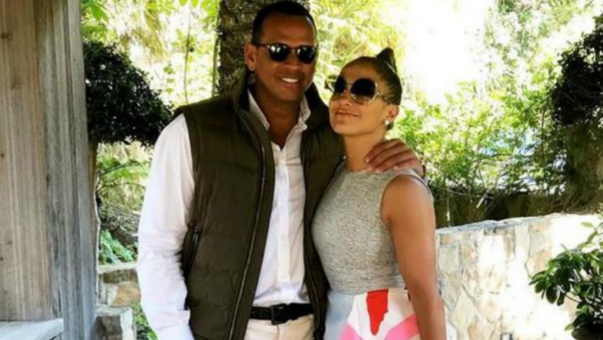 Jennifer Lopez, tânără și radiantă alături de iubitul ei!