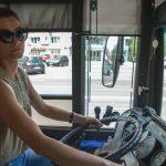 Foto: Proiect inedit. Șoferița de troleibuz din Capitală care a devenit protagonista unei ședințe foto!