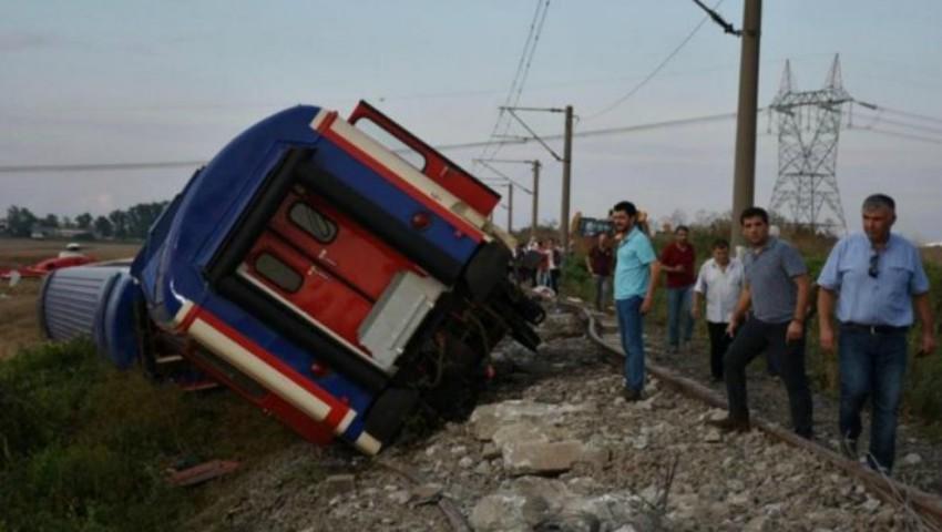 Foto: Tragedie în Turcia! 24 de oameni au murit și peste 70 de persoane au fost rănite, după ce un tren a deraiat în nord-vestul țării