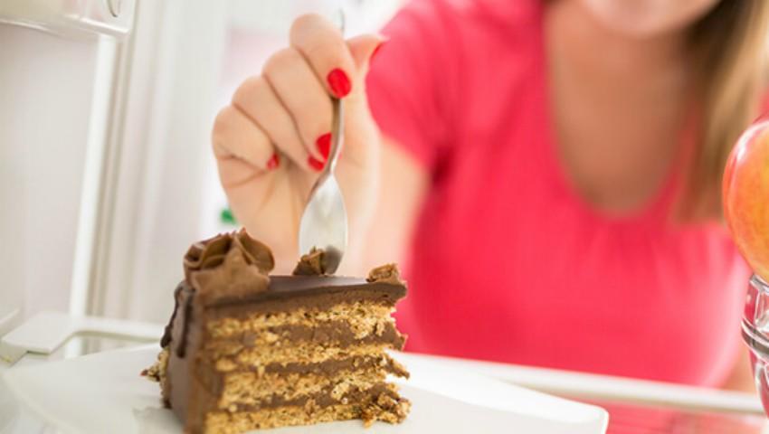 Foto: 6 trucuri pentru a controla pofta de dulce