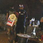 Foto: Operaţiunea de salvare a celor 12 copii şi a antrenorului lor blocaţi într-o peşteră