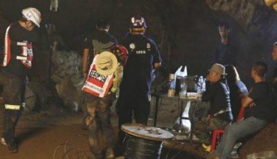 Operaţiunea de salvare a celor 12 copii şi a antrenorului lor blocaţi într-o peşteră