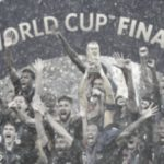 Foto: Victorie transformată în haos. Doi francezi și-au pierdut viața în timpul meciului Franța-Croația