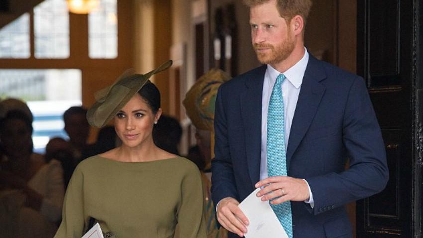 Foto: Ce ținute au purtat Ducii de Sussex la botezul Prințului Louis?