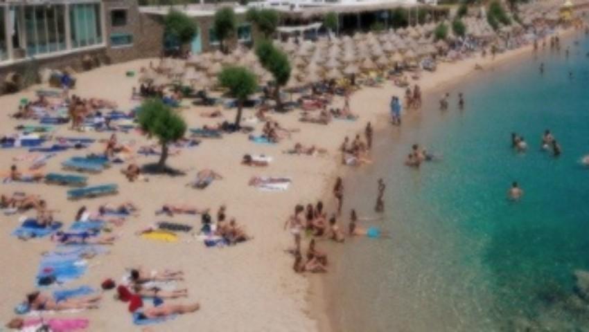 Foto: Cinci tinere din Moldova au fost jefuite la mare în Grecia