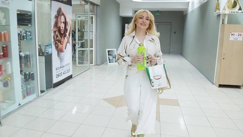 Foto: Cum își îngrijește Adriana Ochișanu podoaba capilară