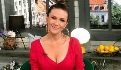 Cum arăta Adela Popescu la începutul carierei, cu 13 ani în urmă