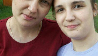 Doi copii cer ajutor pentru a putea repatria corpul neînsuflețit al mamei lor, care a decedat în SUA