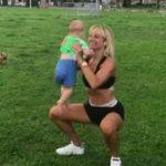 Foto: Dovada că Natalia Gordienko este o mamă fit. Artista face exerciții cu Christian în brațe
