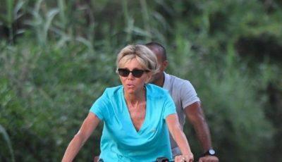 Brigitte Macron a făcut furori pe internet într-o pereche de pantaloni scurți