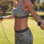 Foto: 6 exerciții fizice pentru un abdomen plat și sculptat