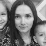 Foto: O tânără mamă cu cancer la amigdale luptă pentru viața sa!