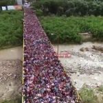 Foto: Imagini dramatice din Venezuela. Mii de oameni părăsesc țara, din cauza sărăciei