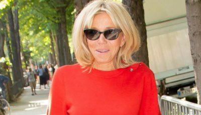Brigitte Macron a fost surprinsă în costum de baie, pe jet ski! Imagini unice din vacanță