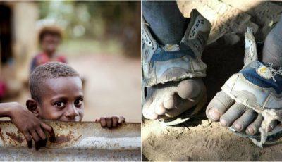 Un tânăr a inventat sandalele ajustabile, pentru milioane de copii săraci din lume