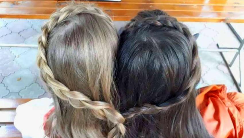 Foto: O imagine emoționantă cu gemenele Aurei