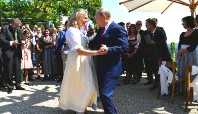 Vladimir Putin a dansat cu Ministrul de Externe al Austriei la nunta ei