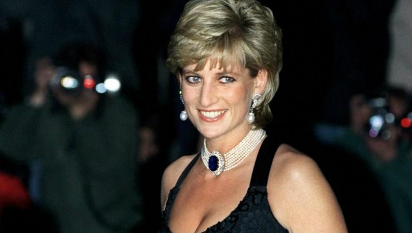 Foto: Ce apariţie neobișnuită s-a ivit peste noapte la locul unde a murit prinţesa Diana