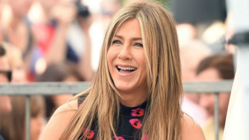 Foto: Jennifer Aniston iubeşte din nou? Cum arată iubitul mai tânăr cu 20 de ani