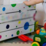 Foto: O fetiță a cumpărat online jucării de sute de dolari, din contul părinților. Cum a aflat mama sa?