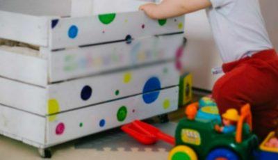 O fetiță a cumpărat online jucării de sute de dolari, din contul părinților. Cum a aflat mama sa?