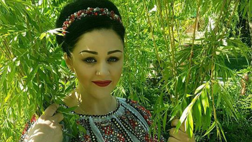 Foto: Lenuța Gheorghiță ne interpretează o piesă nouă, cu mult dor și suflet!