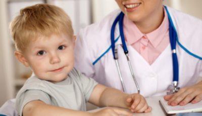 Copiii nevaccinați riscă să nu fie admiși la școli și grădinițe
