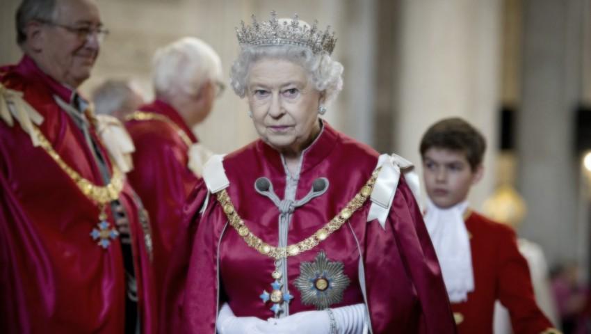 Foto: Regina Elisabeta e în doliu
