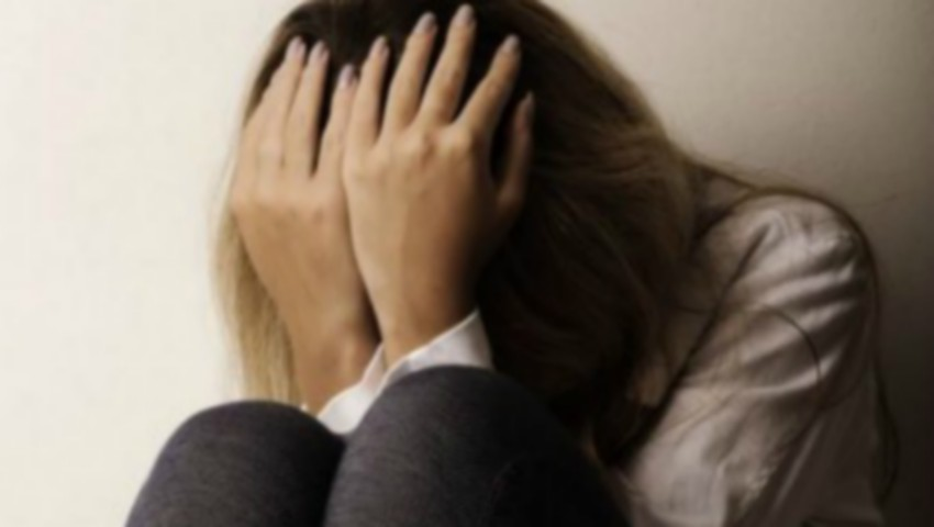 Foto: Un avocat din Capitală ar fi exploatat sexual o minoră timp de 2 ani. Detalii șocante